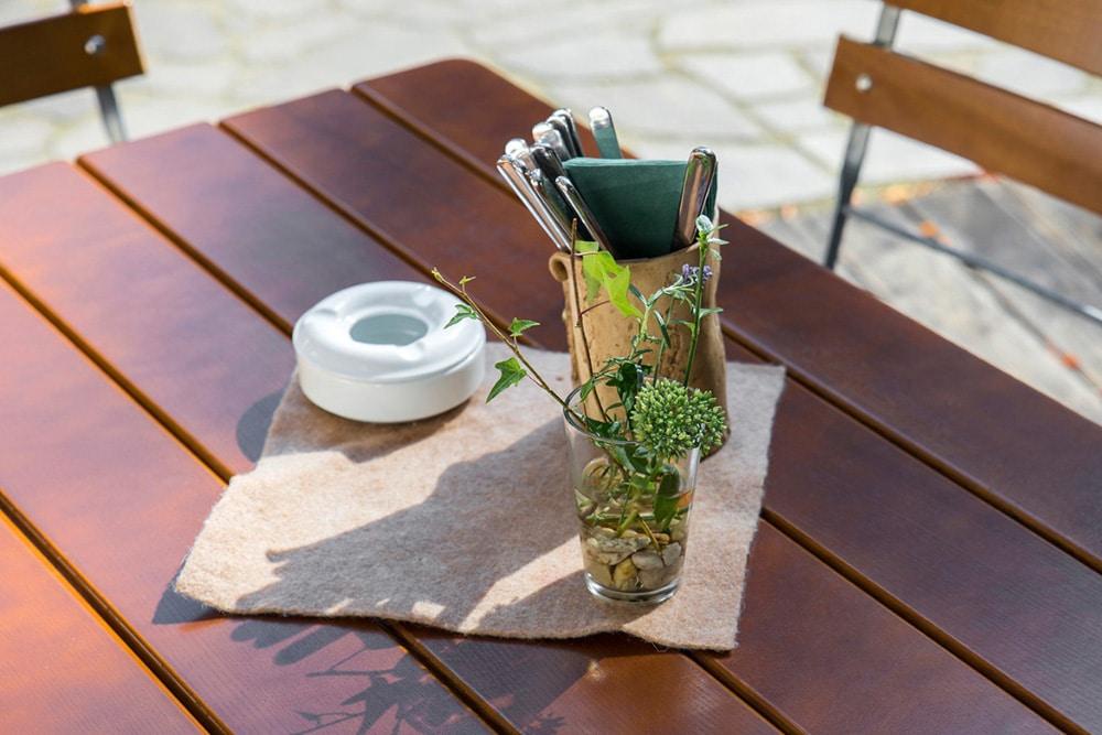 Detail Tisch Biergarten